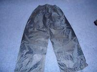 Regatta Waterproof trousers Age 9-10