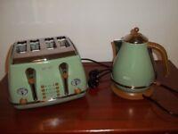 Kettle & 4 Slice Toaster by De'Longhi in Olive Green