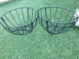 Hanging baskets - black metal
