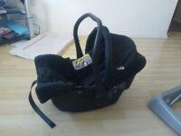 2 x baby car seats £10 each