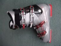 Solomon Mission 4 buckle ski boots