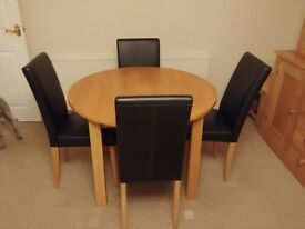 Oak extendable table and 4 chairs