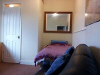 Near Cribbs Causeway & Aztec West Room to Rent in Family House Private En Suite Convenient Location