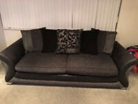 2 peice sofa set v good condition cuddle chair with Bose speakers, large 4 seater well looked after