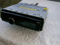 CLARION CZ201ER CAR RADIO/CD/USB STEREO PLAYER