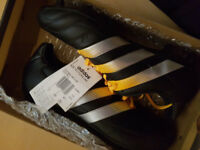 ADIDAS FOOTBALL BOOTS BRAND NEW WITH TAGS SIZE 7