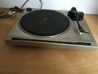 Pioneer PL-720 Direct Drive Stereo turntable (no dust cover)
