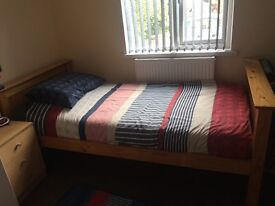 Single bunkbed in solid pine excellent condition