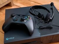 Xbox one 500gb - Mint Condition - All Accessories