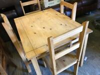 🎅 pine Table and 4 chairs