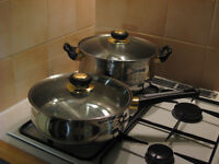 """2x good quality Carlton Royal Luxe stainless steel 10"""" pans with glass lids, made in Germany, vgc"""