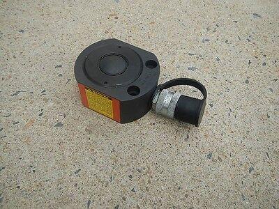 Spx Power Team Rls300 Hydraulic Cylinder 32.4ton At 10000psi New
