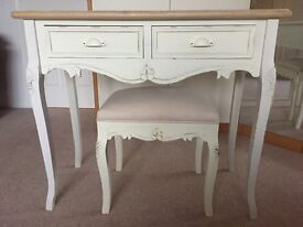 Chabby Chic Dressing Table and Stool