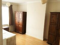 **Large Double Rooms Available- All Bills Inclusive - North Acton Station - Acton Main Line ***