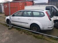 Ford focus estate white 2006 breaking for parts