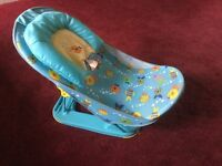 BABY SAFETY BATH SEAT - 2 POSITIONS - FOLDS FLAT - NEW TAG STILL ATTATCHED