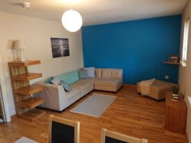 High standard 1 bedroom flat, 5 min walk to town or uni, with ample free parking!