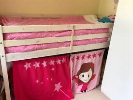 Bed. Cabin Mid sleeper