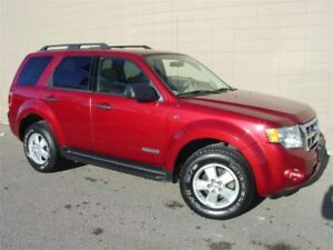 2008 Ford Escape XLT 4X4. Loaded! Automatic!