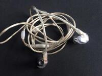 Shure SE425 Sound Isolating Earphones, Clear Main Features
