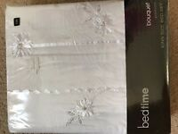 NEW, WHITE, EMBROIDERED, KING SIZE BED SET + 2 PILLOW CASES