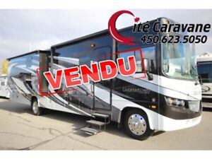2017 Forest River Georgetown 364 / 36B5 GT5 Full Paint 2 salle d