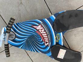 Sharp black and blue kneeboard