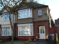 4 Bedroom House off New Bedford Road, Icknield / Denbigh Area, close to Colleges, Shops, Centre