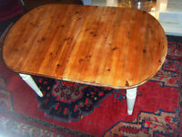 SOLID PINE FARMHOUSE TABLE, EXTENDABLE, FINISHED IN ANTIQUE WHITE