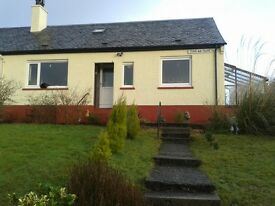 2 bedroom bungalow with a large garden, south facing. Fantastic sea veiws