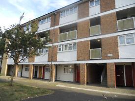Large 3 bedroom in Shrublands Ave, Croydon CR0 8JE
