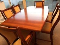 Dining Room Table and 6 Chairs!