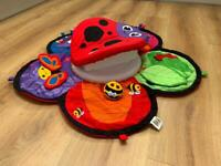 Tummy time spinner activity station