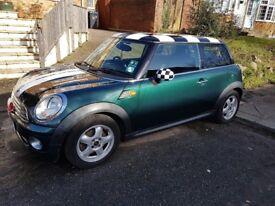 Mini Cooper 2010 British Racing Green