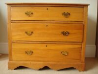 *** Beautiful Victorian Chest Of Drawers in Solid Pine Wood ***