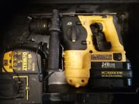 DEWALT 24V BATTERY DRILL WITH 3 GOOD BATTERYS AND CHARGER