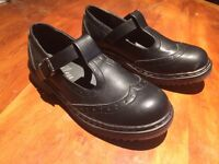 Size 6 girls school shoes brand new never worn.