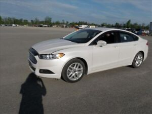 2015 Ford Fusion SE / BACK UP CAMERA / HEATED SEATS / 17 ALLOY