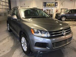 2014 Volkswagen Touareg TDI| Diesel| Leather| Navigation| Key-le