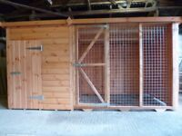 DOG KENNEL WITH ATTACHED RUN