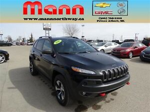 2016 Jeep Cherokee Trailhawk - Sunroof, Cruise control, Leather.
