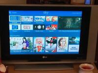 """Old style 32"""" LG tv for sale"""