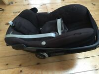 Maxi Cosi Pebble car seat and Family Fix Isofix base  