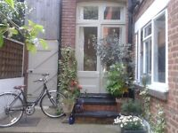 Pretty 2 bed Highgate garden flat for 2 bedroom South Kensington.