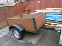 5ft x 3ft WOODEN TRAILER GOOD CONDITION
