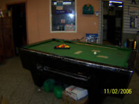 FREE PUB POOL TABLE A BIT WORN BUT WORKS WELL IDEAL FOR MAN CAVE/GARAGE FREE