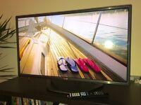 32'' LG TV | 1080P | 3D | SMART | 3D GLASSES (2 pairs)