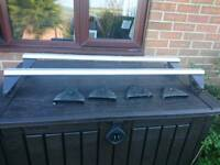 A set of Vauxhall vectra roof bars