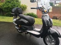 MINTED WEE 125 MOPED WITH VERY LOW MILES!! DIRECT BIKES RETRO VESPA PIAGGIO APRILIA MAY SWAP