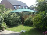 Rectangular Parasol with Cloth Canopy & Heavy Metal Base – 4.2m x 2m